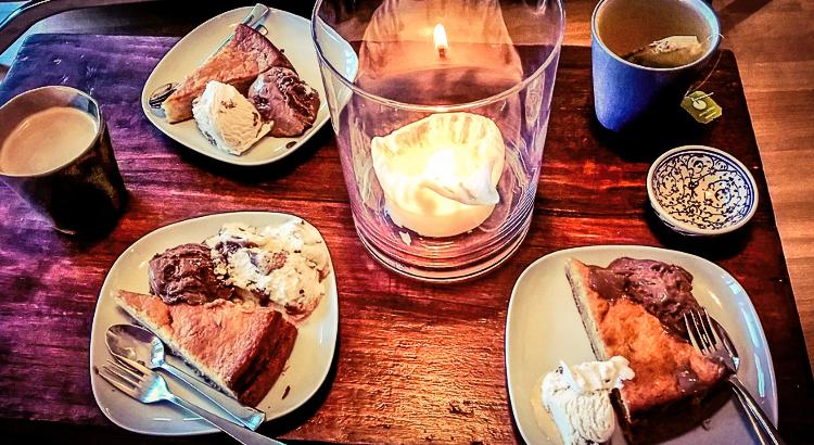 Tee, Kaffee, Kuchen und Eis. Foto: Dietmar Päschel
