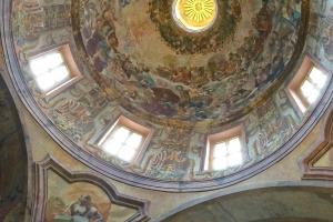 """Blick in die Kuppel der Evangelischen Kirche """"Zum Heiligen Kreuz"""", die sich auch auf dem Stiftsgelände befindet. Foto: Stephan Hartmann"""
